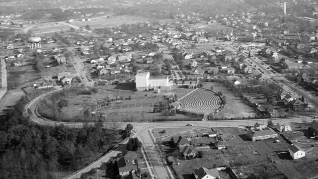 An aerial view of the Raleigh Rose Garden and Raleigh Little Theatre still shows the outline of the original State Fairgrounds. Image courtesy of the State Archives of North Carolina.