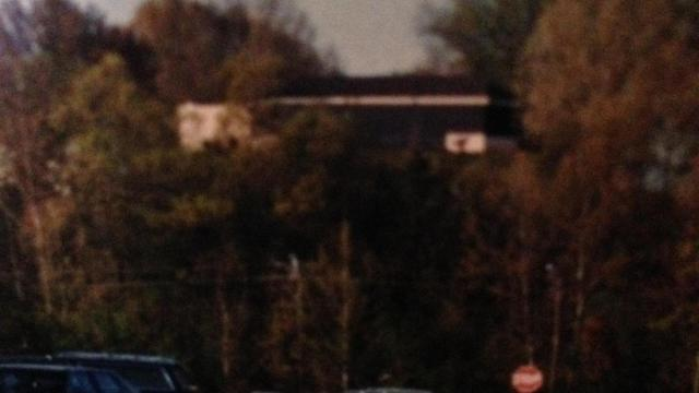 Crossroads restaurant atop Kidd Hill in the 1980s. Photo courtesy of: Betty Sellers Beljan