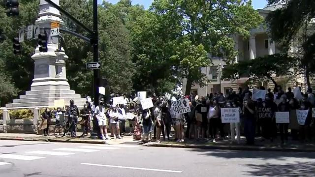 For a fourth day, hundreds of people marched and chanted on and around the grounds of the State Capitol, protesting police tactics after the death of George Floyd.