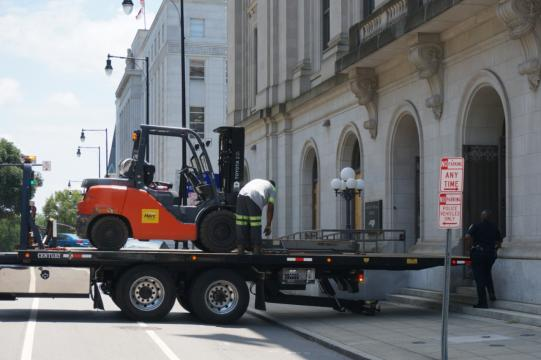 Fork lift at N.C. Court of Appeals building