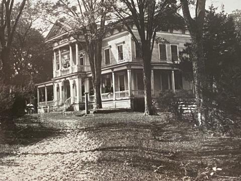 A historic photo of Elmwood Plantation. Today, the historic mansion is a B&B, where people can stay while learning about the Underground Railroad and taking in the sights of Washington, NC.