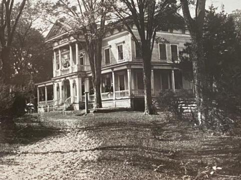 Historic Elmwood 1820 played an important role in the Civil War, serving as a camp and hospital for Union soldiers.