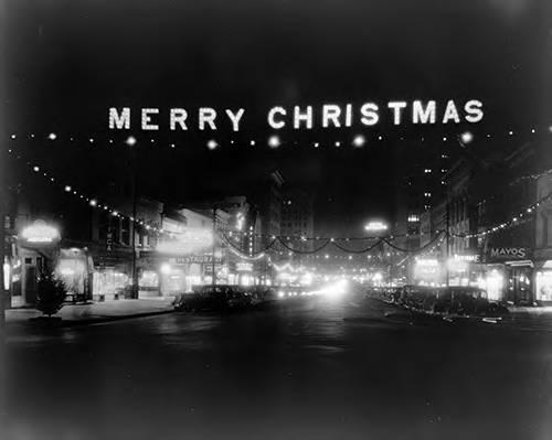 Christmas decorations on Fayetteville St, Raleigh, N.C., 1938 (Image courtesy of the State Archives of North Carolina)