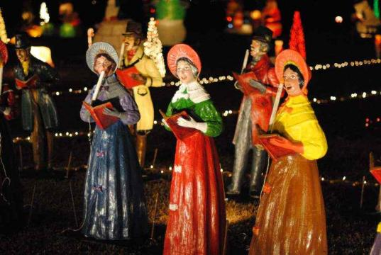 These vintage carolers also belonged to the Cross family holiday display. There were restored by the Moore family, and now stand as part of Happyland.