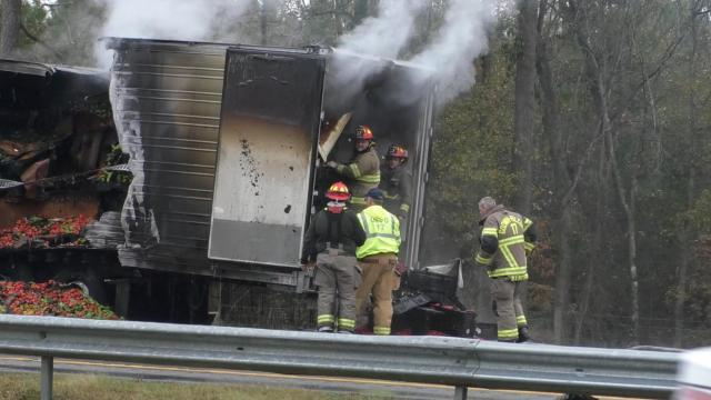 I-95 northbound closes due to tractor trailer fire