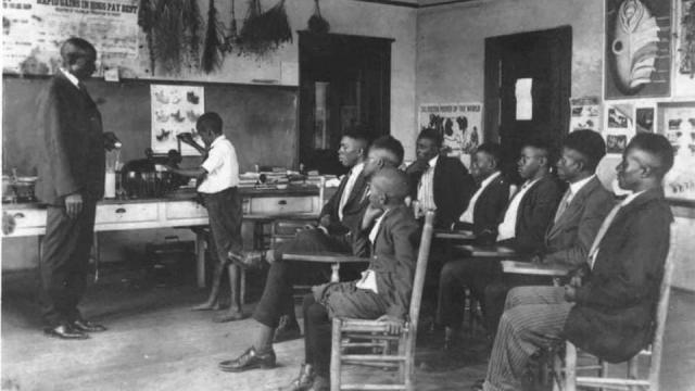 Students in the Berry O' Kelly School in Historic Method, courtesy of the City of Raleigh