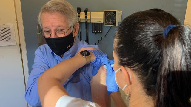 Mayor Steve Schewel receives his COVID vaccine on January 22, 2021.  Photo from Schewel's Twitter.