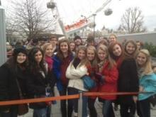 Ravenscroft singers wait for a ride on the London Eye. (Photo courtesy Susan Washburn)