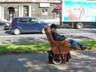 Guy Orvis combined a recliner with a wheelchair for a custom ride.