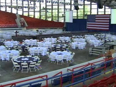 Party officials said 950 people will dine, with another 4,000 in the stands for the event.