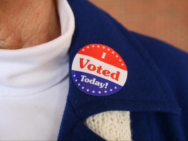 'I voted' sticker<br/>Photographer: Kelly Hinchcliffe