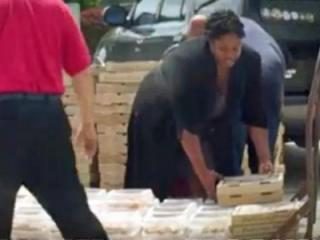 WRAL News cameras capture pizza being delivered to the Harnett Correctional Institution.