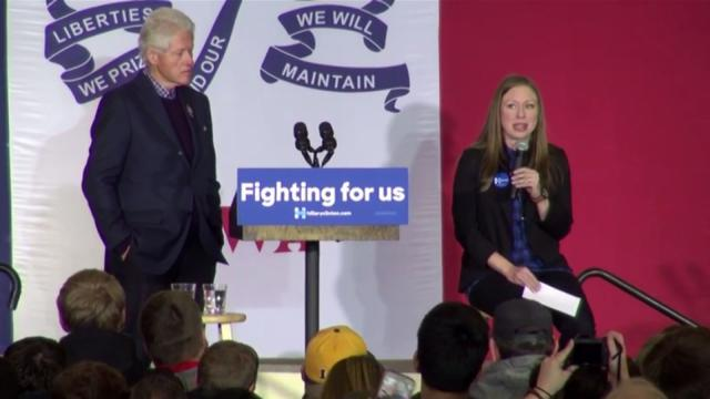 Former President Bill Clinton and his daughter, Chelsea, campaign in Des Moines, Iowa, on Jan. 16, 2016, for Democratic presidential candidate Hillary Clinton.