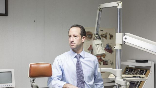 Shawn Klein, An Ophthalmologist Who Serves As Mayor Of Livingston, At His  Office In