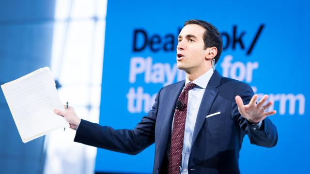 FILE — Andrew Ross Sorkin, a DealBook columnist for The New York Times, at a conference in Manhattan, Nov. 9, 2017. Sorkin said he frequently talks to sources on encrypted messaging apps like Signal, Telegram and Confide. (Mike Cohen/The New York Times)