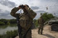 IMAGES: New Troops on Border Face Rules About Mexico