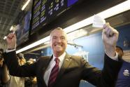 IMAGE: With $40 in Bets, New Jersey's Governor Ushers in Legal Sports Betting