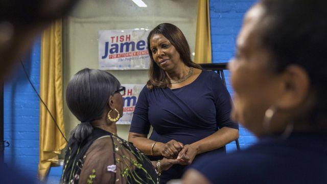 FILE -- Letitia James, the New York City public advocate who is running for state attorney general, campaigns in Manhattan on Aug. 1, 2018. James is the only candidate who has not tried to distance herself from Gov. Andrew Cuomo. (Hiroko Masuike/The New York Times)
