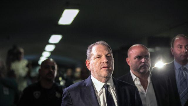 FILE -- Harvey Weinstein leaves court after a hearing in Manhattan on June 5, 2018. In a novel decision that could pave the way for other lawsuits, a judge ruled on Aug. 14, 2018, that Weinstein can be sued for violating a federal sex-trafficking statute by a young actress who claims he coerced her to engage in sex acts with him in exchange for a false promise of a movie role. (Jeenah Moon/The New York Times)
