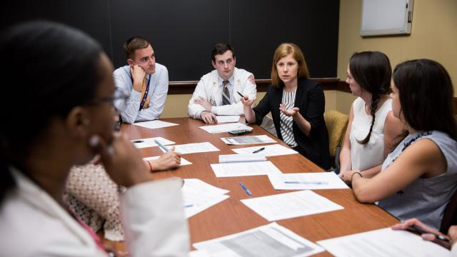 Dr. Lidya Wlasiuk speaks to a group of medical students during a chronic pain and safer opioid prescribing workshop at Boston University School of Medicine in Boston, Mass., June 19, 2018. Comprehensive addiction training is rare in the American medical education system. (Kayana Szymczak/The New York Times)