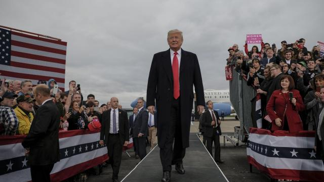 President Donald Trump holds a fly-in campaign rally in Huntington, W.Va., Nov. 2, 2018. (Gabriella Demczuk/The New York Times)
