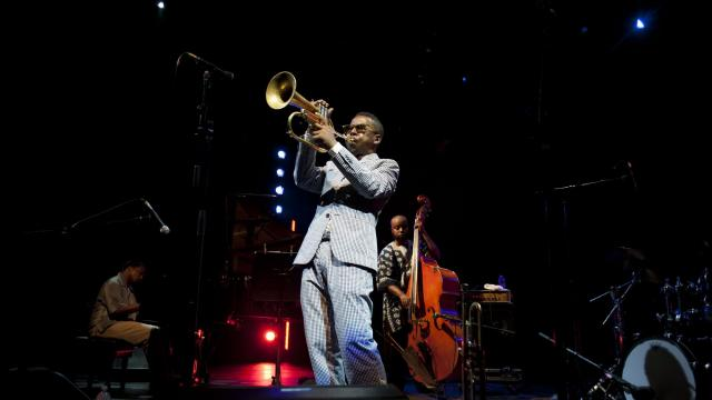 """FILE -- Roy Hargrove performs during a """"Celebrate Brooklyn"""" concert in Prospect Park in Brooklyn, June 24, 2011. Hargrove, a virtuoso trumpeter who became a symbol of jazz's youthful renewal in the early 1990s, and then established himself as one of the most respected musicians of his generation, died on Friday, November 2, 2018, in Manhattan. He was 49. (Mylan Cannon/The New York Times)"""