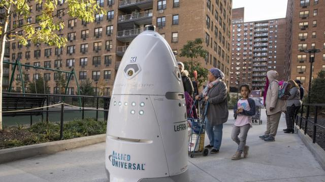 A security robot roams the grounds of LeFrak City in Queens, Nov. 7, 2018. New technology lets you use your cellphone to buzz people into your building or turn off the stove. You can even get a robot to patrol your apartment complex. (Tony Cenicola/The New York Times
