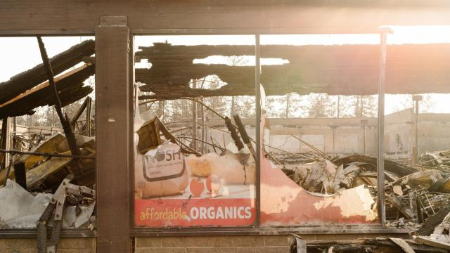 A Safeway grocery destroyed by the Camp fire in Paradise, Calif., Nov. 19, 2018. At least 79 people are confirmed dead and nearly 700 remain missing, but the true scale of the catastrophe will only be clear months later, after search crews finish turning through thousands of burned homes and businesses. (Jason Henry/The New York Times)