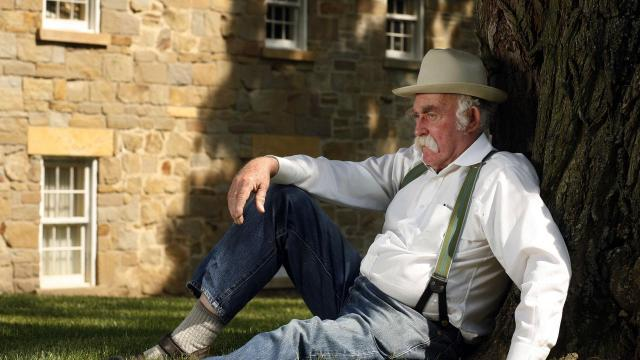 """FILE -- Donald McCaig, a historical novelist, in Peoria, Ill., May 12, 2007. McCaig, who enjoyed success with historical novels, books about Border collies and two authorized follow-ups to """"Gone With the Wind,"""" died on Nov. 11, 2018 at his home in Highland County, Va. He was 78. (Kristen Schmid Schurter/The New York Times)"""