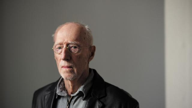 FILE — The sculptor Robert Morris, in New York, March 3, 2017. Morris, one of the most controversial American sculptors of the post-World War II era and a founder of Minimalism, a style of radical simplification that emerged in the 1960s and influences artists to this day, died in Kingston, N.Y. on Nov. 28, 2018. He was 87. (Todd Heisler/The New York Times)