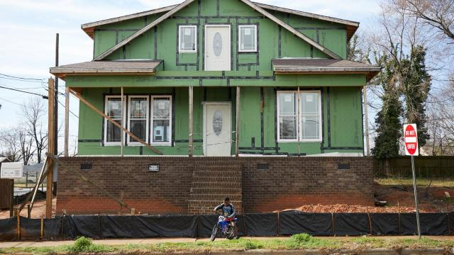A home being renovated in the South Park neighborhood of Raleigh, N.C., Feb. 24, 2019. Raleigh, and cities like it across the country, have seen white residents moving into new-built homes in largely African-American neighborhoods, at an accelerating rate. (Logan R. Cyrus/The New York Times)