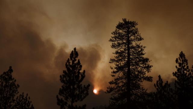 Smoke Crosses U.S. as Blazes Rage in West