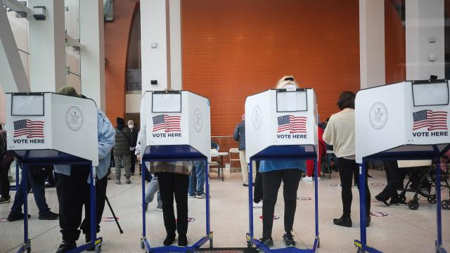 Voters cast their ballots during early voting, Oct. 27, 2020. In the final days of voting, election officials and cybersecurity experts are keeping a close eye on a range of possible ways foreign governments and other hackers could interfere. (Earl Wilson, Brooklyn, N.Y./The New York Times)