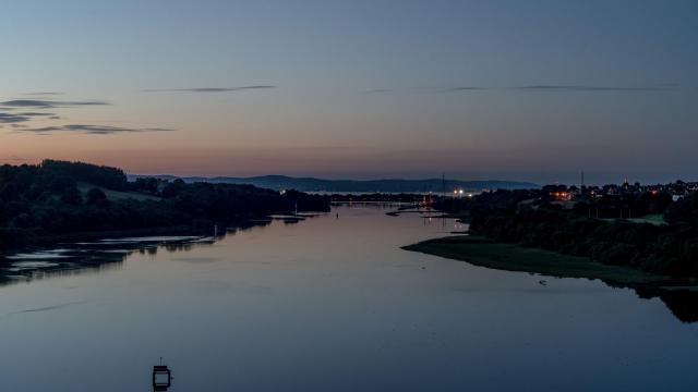 FILE — The River Foyle, with Ireland on the left and Northern Ireland on the right, near Londonderry, July 3, 2018. The matter of the Irish border is the biggest sticking point as the government of Prime Minister Theresa May scrambles to reach a Brexit deal that both the European Parliament and British lawmakers will endorse. (Andrew Testa/The New York Times)