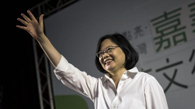 FILE -- Tsai Ing-wen, leader of Taiwan's opposition Democratic Progressive Party, campaigns in Chiayi City, Sept. 5, 2015. Officials are increasingly concerned that Beijing's efforts to influence Taiwan's local elections now include a Russia-style misinformation campaign. (Billy H.C. Kwok/The New York Times)