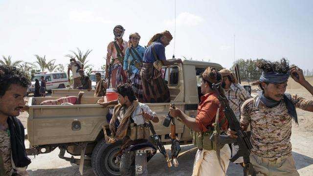 A truck carrying a wounded Yemeni fighter with the Saudi Arabia-led coalition arrives at a field hospital in Durayhimi, south of the port city of Hudaydah, Yemen, Oct. 6, 2018. The United Nations sees a deal on the port of Hudaydah as a key first step to a broader end to the Saudi-led war against Iran-allied Houthi rebels. (Tyler Hicks/The New York Times)