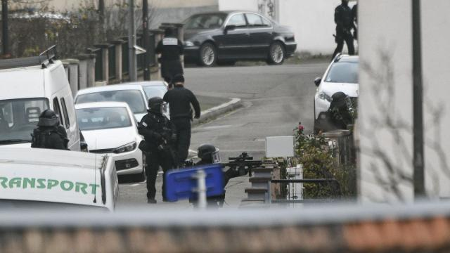 Strasbourg attacker killed by police, Paris authorities say
