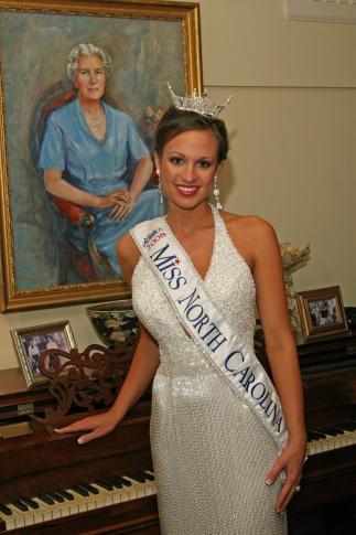 Amanda Lauren Watson, Miss Garner, was chosen on Saturday, June 21, 2008. (Photo courtesy Pageantpics.com)