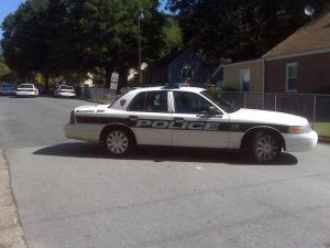 Durham police close down the 2400 block of Highland Avenue on Sept. 11, 2009, while officers were engaged in a standoff with an armed man.