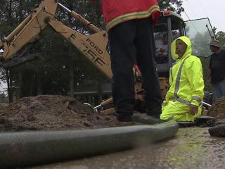 The town of Four Oaks shut off water for thousands of customers after two water main breaks Thursday morning, a town spokeswoman said.