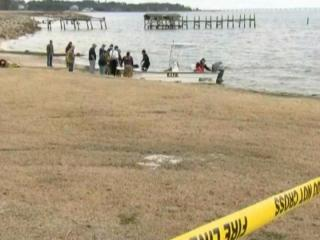 Rescue divers in Dare County recovered the body of a Raleigh pilot from the wreckage of a plane in Croatan Sound on Monday.