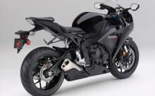 A Honda CBR 1000RR, like this one, was stolen from Parkside Condominiums Jan. 21.
