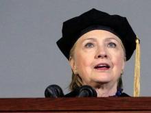 Clinton hurls zinger at Trump during Wellesley College speech