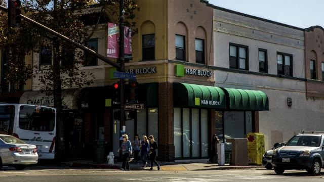 An H&R Block location in Berkeley, Calif., Oct. 18, 2018. H&R Block is a member of the Free File Alliance, a consortium that includes several tax preparation companies. (Christie Hemm Klok/The New York Times)