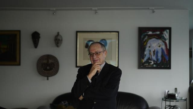 FILE -- Alan Dershowitz, a lawyer who has a long history of representing clients in transnational legal matters, including sanctions, in New York, Nov. 11, 2015. Representing clients who face penalties from Washington is a lucrative new niche, especially for lobbyists who have ties to President Donald Trump. (Todd Heisler/The New York Times)