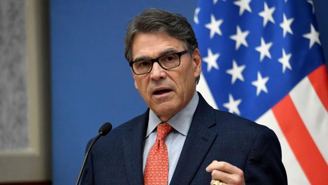 Rick Perry informs Trump of his plans to resign later this year as scrutiny over Ukraine heats up