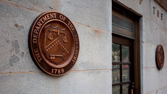 US budget deficit balloons to nearly $1 trillion for fiscal 2019
