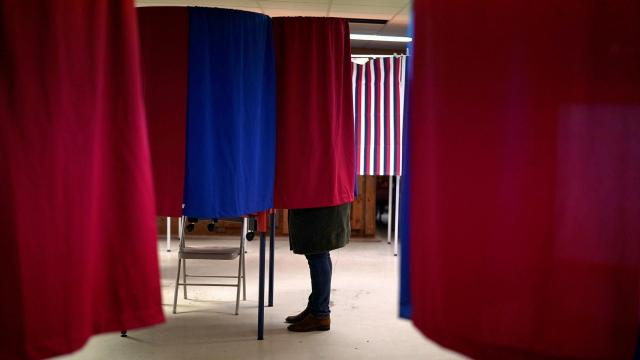 Most polls close in New Hampshire in first primary for deeply divided Democratic field