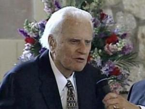 Billy Graham speaks at a memorial service on June 16, 2007, for his wife, Ruth Graham Bell.