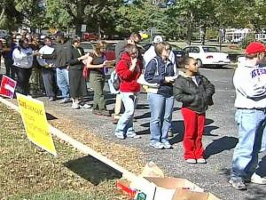 Voters queue up at a one-stop polling site in Raleigh on Thursday, Oct. 30, 2008.